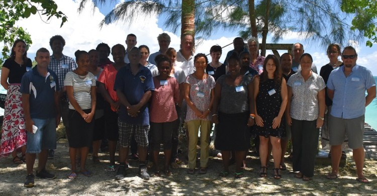 Workshop participants in Munda. Photo courtesy of Len McKenzie.
