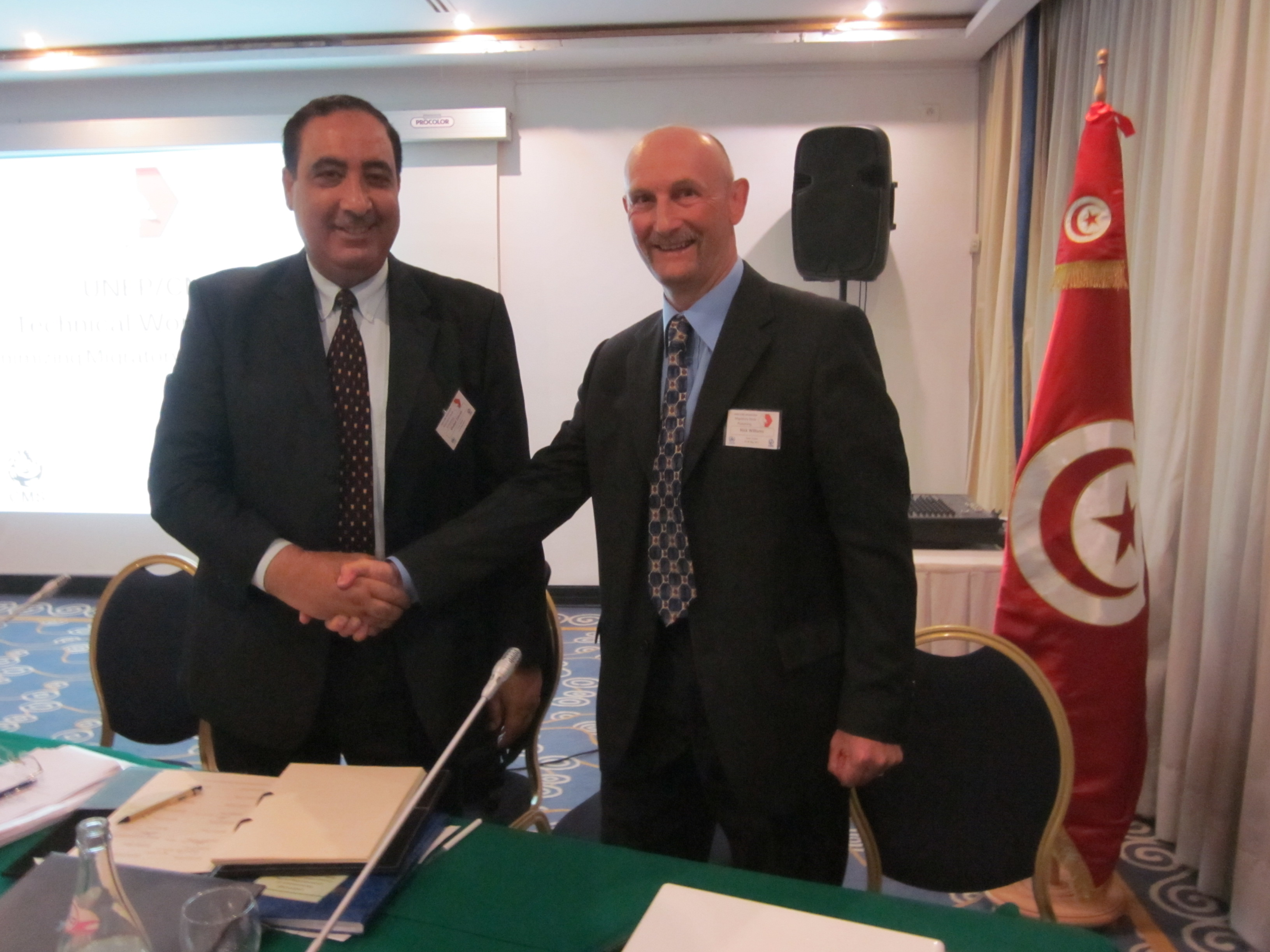 From left to right: Dr. Khaled Zahzah, Assistant Director, Hunting and National Parks, Head Offices of Forests; and Mr. Nick Williams, Programme Officer, CMS Office - Abu Dhabi.
