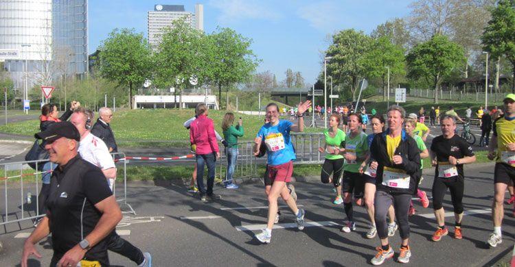 Marie Mévellec (CMS) competing in the half Marathon © R. Vagg, UNEP/CMS