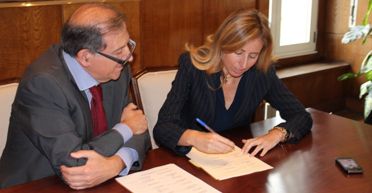 Spain Signs Mou Signed The Raptors Mou on