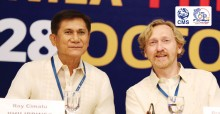 Roy Cimatu, Secretary of Environment and Natural Resources, the Philippines, and Bradnee Chambers, CMS Executive Secretary © IISD