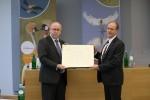 Le gouvernement de la Norvège recevant le prix de Champion des espèces migratrices © IISD